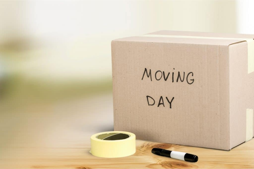 packing checklist for moving in Montreal